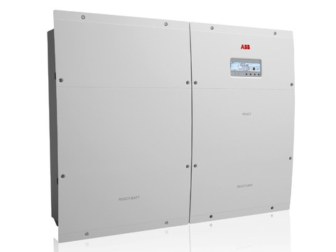 ABB React, inverter fotovoltaico con batteria accumulo integrata
